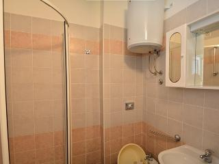 TH03560 Apartments Funda / Two Bedrooms Sunce 4+1 A6 - Necujam vacation rentals