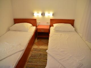 TH03560 Apartments Funda / Three Bedrooms Sunce 6+1 A7 - Necujam vacation rentals