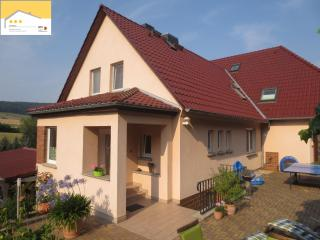 Cozy 2 bedroom Jena Apartment with Deck - Jena vacation rentals