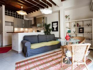 Amazing House with patio in Santa Catalina, Palma - Palma de Mallorca vacation rentals