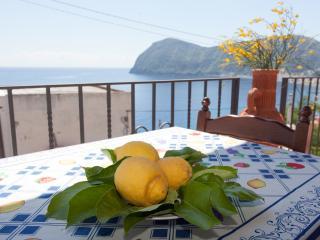 STELLA DEL MATTINO - LILIUM - Canneto di Lipari vacation rentals