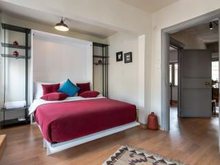 Great Studio Apartment w Balcony  Cihangir Beyoglu - Istanbul vacation rentals