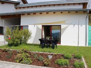 Vacation Apartment in Untergriesbach - 646 sqft, beautiful, central, natural - Gottsdorf vacation rentals