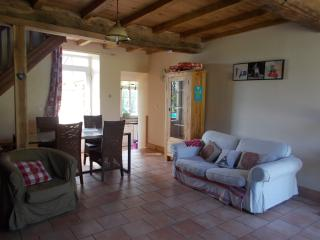 Lovely 2 bedroom Cottage in Vire with Internet Access - Vire vacation rentals