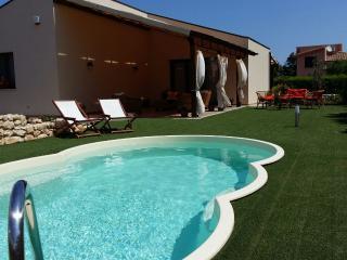 Villa del Mandorlo con piscina, Scopello-Fraginesi - Scopello vacation rentals