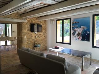 3 bedroom House with Internet Access in La Bruguiere - La Bruguiere vacation rentals