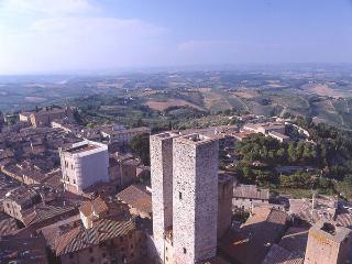 2 bedroom Apartment in San Gimignano, Tuscany, Italy : ref 1067001 - San Gimignano vacation rentals
