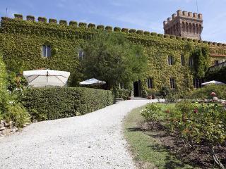 10 bedroom Villa in Campiglia, Tuscany, Italy : ref 1070001 - Venturina vacation rentals