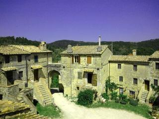 4 bedroom Apartment in Tocchi, Tuscany, Italy : ref 1293001 - San Lorenzo a Merse vacation rentals