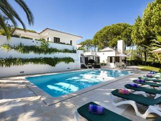 6 bedroom Villa in Quinta Do Lago, Vilamoura, Central Algarve, Portugal : ref 1717042 - Quinta do Lago vacation rentals