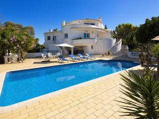 3 bedroom Villa in Vale De Parra, Albufeira, Algarve, Portugal : ref 1717090 - Patroves vacation rentals