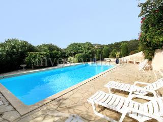 3 bedroom Villa in Les Issambres, Cote D Azur, France : ref 1718359 - Les Issambres vacation rentals