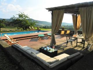 10 bedroom Villa in Montebenichi, Tuscany, Italy : ref 1719007 - Pietraviva vacation rentals