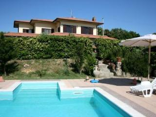 4 bedroom Villa in Castelnuovo, Tuscany, Italy : ref 1719942 - Castelnuovo Misericordia vacation rentals