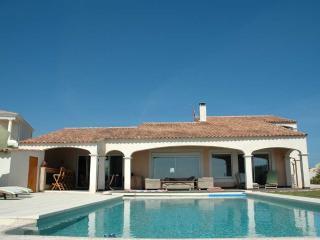 4 bedroom Villa in Cap D Agde, Languedoc, France : ref 2000095 - Cap-d'Agde vacation rentals