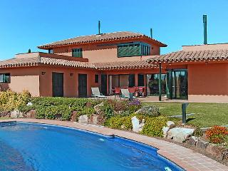 5 bedroom Villa in Navata, Costa Brava, Spain : ref 2007927 - Navata vacation rentals