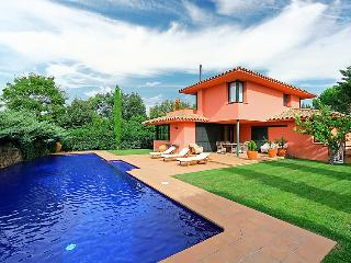 5 bedroom Villa in Navata, Costa Brava, Spain : ref 2007928 - Navata vacation rentals