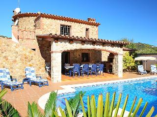 3 bedroom Villa in Calonge, Costa Brava, Spain : ref 2007943 - Calonge vacation rentals