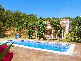 4 bedroom Villa in Sta Cristina d'Aro, Costa Brava, Spain : ref 2007948 - Romanya de la Selva vacation rentals