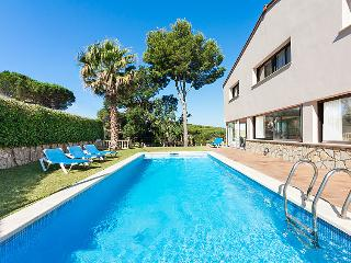 4 bedroom Villa in S'Agaro, Costa Brava, Spain : ref 2007949 - S'Agaro vacation rentals