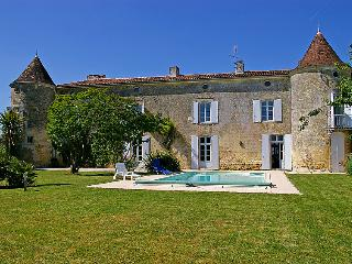 6 bedroom Villa in Gemozac, Poitou Charentes, France : ref 2008164 - Jazennes vacation rentals