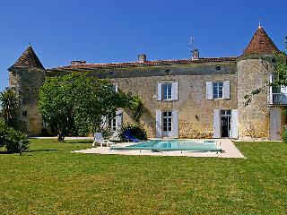 6 bedroom Villa in Gemozac, Poitou Charentes, France : ref 2008164 - Jazennes vacation rentals