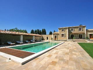 5 bedroom Villa in Chateaurenard, Provence, France : ref 2008265 - Chateaurenard vacation rentals