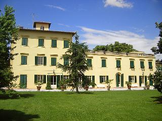 9 bedroom Villa in San Giuliano Terme, Lucca Pisa, Italy : ref 2008399 - San Giuliano Terme vacation rentals