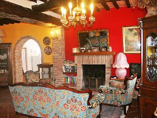 4 bedroom Villa in Massarosa, Versilia, Italy : ref 2008430 - Massarosa vacation rentals