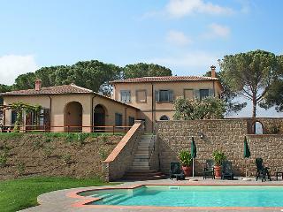 4 bedroom Villa in Saturnia, Maremma Volterra, Italy : ref 2008714 - Pomonte vacation rentals