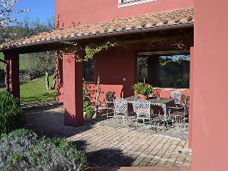 4 bedroom Villa in Passignano sul Trasimeno, Umbria, Italy : ref 2008744 - Castel Rigone vacation rentals