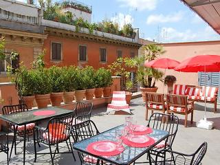 3 bedroom Apartment in Rome Historical City Center, Lazio, Italy : ref 2008813 - Colonna vacation rentals
