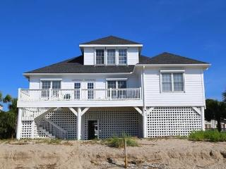 "706 Palmetto Blvd - "" Seagull II"" - Edisto Beach vacation rentals"
