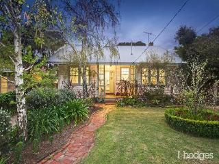 Sun Bathed Period Home in Bayside Melbourne - Hampton vacation rentals