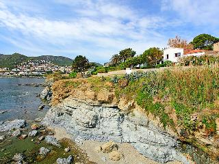 5 bedroom Villa in Llanca, Costa Brava, Spain : ref 2010248 - Llanca vacation rentals