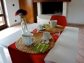 B&B Senza pensieri, camera Rossa - Canale Monterano vacation rentals