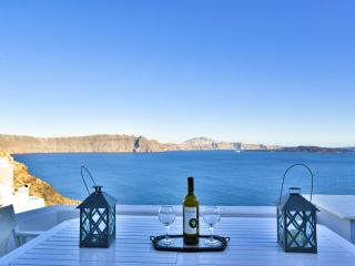 Vacation Rental in Oia