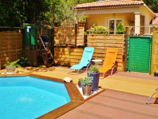 Gite MIMOSA, MONTELIMAR Piscine-Parking-Internet - Montelimar vacation rentals