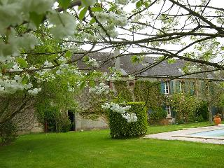 5 bedroom Villa in Bayeux, Normandy, France : ref 2011630 - Cottun vacation rentals