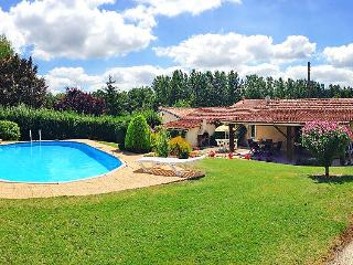 3 bedroom Villa in Barbezieux, Poitou Charentes, France : ref 2011861 - Condeon vacation rentals