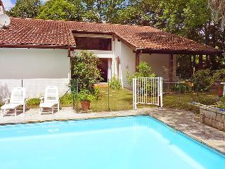 5 bedroom Villa in Espelette, Basque Country, France : ref 2012058 - Espelette vacation rentals