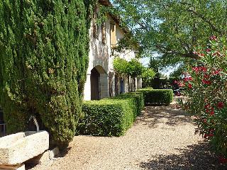 4 bedroom Villa in Vauvert, Gard Lozere, France : ref 2012206 - Vauvert vacation rentals