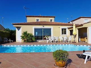 5 bedroom Villa in Le Grau du Roi, Gard Lozere, France : ref 2012229 - Le Grau Du Roi vacation rentals