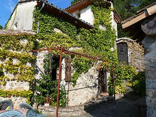 3 bedroom Villa in Saint Jean du Gard, Gard Lozere, France : ref 2012418 - Saint-Jean-du-Gard vacation rentals