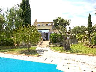 3 bedroom Villa in Saint Cyr Les Lecques, Cote D Azur, France : ref 2012585 - Les Lecques vacation rentals