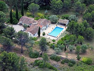 4 bedroom Villa in Le Beausset, Cote d'Azur, France : ref 2012594 - Le Beausset vacation rentals