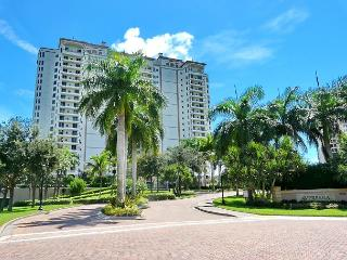 Spectacular Naples condo just a short drive from Marco Island - Naples vacation rentals
