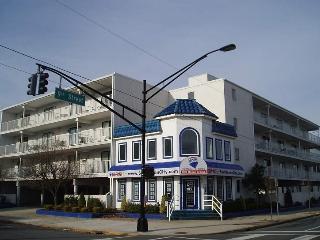 Nice Condo with Deck and Internet Access - Ocean City vacation rentals
