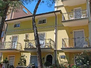 Comfortable 2 bedroom House in Cattolica with Internet Access - Cattolica vacation rentals