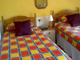 2 rooms on top floor in Mackenzie Guest House - Edinburgh vacation rentals